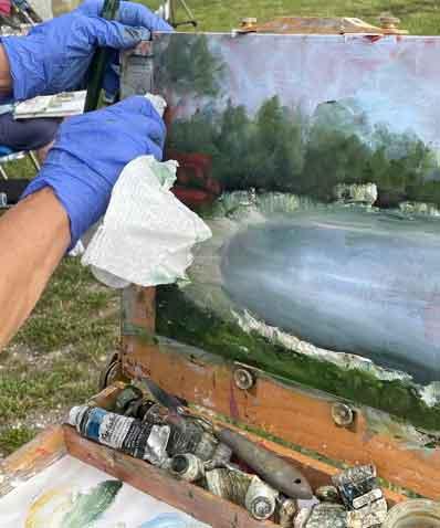 eanne Cardarelli-Raimondi, Painting Plein Air, photo by Jan Burling for the Portsmouth Arts Guild